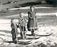 skifahrer bild schwarz weiß - Google-Suche Alpine Skiing, Snow Skiing, Old Photos, Vintage Photos, Vintage Ski Posters, Ski Chalet, Snow Scenes, History Photos, Ski And Snowboard