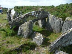 Dolmen à Saint-Just,    Ile et Vilaine       Brittany