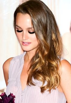 A Little Party Never Hurt Nobody Leighton Meester, Gossip Girl Fashion, Gossip Girls, Jessica Henwick, New Fashion Trends, Light Hair, Hollywood Actresses, Blond, Hair Makeup