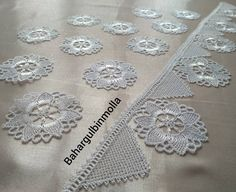 Magia Do Crochet, Bed Cover Design, New Embroidery Designs, Crochet Tablecloth, Lace Making, Erdem, Antique Lace, Holidays And Events, Tatting