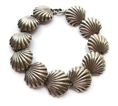 Vintage Portuguese silver shell link bracelet, scallop shell design, seaside beach jewellery, seashell design, probably 835 silver, https://www.etsy.com/listing/238718152/vintage-portuguese-silver-shell-link