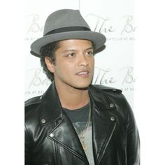 Bruno Mars At Arrivals For Bruno Mars At Bank Canvas Art - (16 x 20)