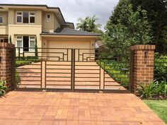 When Gateway Fencing was commissioned by this St Ives client to design and construct a fence and automatic driveway gates to…