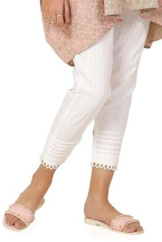 Neck Designs For Suits, Sleeves Designs For Dresses, Kurti Neck Designs, Kurta Designs Women, Kurti Designs Party Wear, Neckline Designs, Salwar Designs, Stylish Dresses For Girls, Stylish Dress Designs