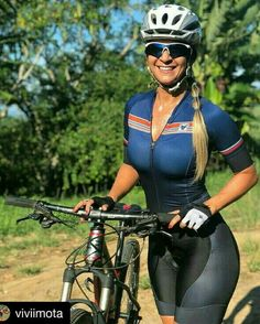 As a beginner mountain cyclist, it is quite natural for you to get a bit overloaded with all the mtb devices that you see in a bike shop or shop. There are numerous types of mountain bike accessori… Cycling Girls, Cycling Wear, Cycling Outfit, Bicycle Women, Bicycle Girl, Cycle Chic, Bike Style, Sporty Girls, Biker Girl