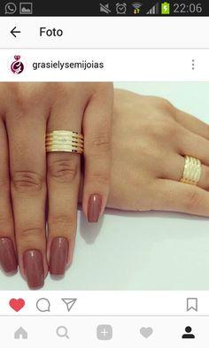 Wedding Rings Rose Gold, Bridal Rings, Wedding Bands, Gold Rings, Ladies Bangles, Gold Ring Designs, Alternative Wedding Rings, Couple Rings, Leaf Earrings