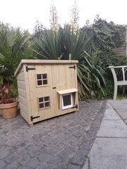 Custom handmade and bespoked designed cat housing and insulated cathouses and catios, cat enclosures Designed to suit your cats needs Outdoor Cat Shelter, Outdoor Cat Enclosure, Outdoor Cats, Cat House Outdoor, Ikea Hacks For Cats, Cat Shack, Outside Cat House, Raising Kittens, Cat House Diy