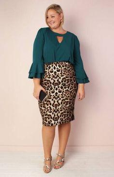 Super skirt outfits pencil plus size Ideas - Plus Size Skirts - Ideas of Plus Size Skirts 40s Fashion, Curvy Fashion, Plus Size Fashion, Fashion Models, Fashion Outfits, Fashion Fall, Trendy Fashion, Korean Fashion, Womens Fashion