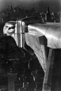 Gárgola del edificio Chrysler, fotografiada por Margaret Bourke-White. Estados Unidos, 1930. © S.D.