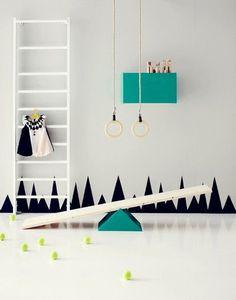 Alla barn är mer eller mindre aktiva av sig ochdet klättras på väggar om dom är hemma en dag. Uppmuntra deras aktiva ådra genom att skapa ett rum där det bokstavligen går att klättra på väggarna. Dessutom utan att tumma …
