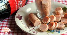 Preparare i wurstel di pollo in casa è davvero molto semplice. Pochi ingredienti e preparerete uno degli sfizi più amati dai bambini.