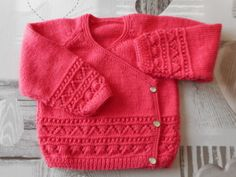 It's with nice pleasure that I current to you my achievements in crochet, knitting, embroidery and couture. Baby Cardigan, Baby Tumblr, Clothing Tags, Couture, Baby Sweaters, Baby Knitting Patterns, Baby Wearing, Knit Crochet, Kids Outfits