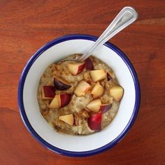 """Rawvegan """"oatmeal"""" (in fact its without oats, found the recipe years ago on YouTube) with cinnamon and plum pieces. #vegan #vegansofinstagram #vegansofig #whatveganseat #dairyfree #crueltyfree #animalfriendly #plantbased #govegan #raw #rawvegan #healthy #breakfast #zerowaste #wastefree #banana #apple #dates #fruits #plums #cinnamon #nofilter #foodie #eos600d #canon #veganfoodporn #veganfoodshare #veganfoodblogger #foodofig #foodofinstagram  Yummery - best recipes. Follow Us! #veganfoodporn"""