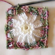 Simple Daisy Square