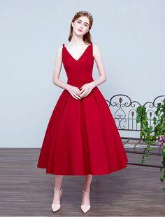 1950s Vintage Inspired V Neck Swing Prom Wedding Dress