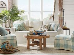 Decorating Style Defined: American Coastal Style | One of the most popular coastal decorating styles is American Coastal Style. Find out what it takes to create this casual and classic look in your home. | TheCasaCollective.com | #americancoastalstyle #coastalstyle #decoratingstyles #americancoastallivingrooms