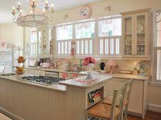 Cocina decorada como pastelería retro 4