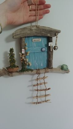 süpermiş the wood art - wood art painted - wood art diy - wood art projects - wood art lamp Fairy Crafts, Diy And Crafts, Diy Projects For Beginners, Projects To Try, Driftwood Crafts, Wall Design, Fence Design, Garden Design, Design Jardin