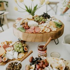 How To Make A Beautiful Charcuterie Board With Steps And Examples - Fashion To Follow Party Food Buffet, Party Food Platters, Cheese Platters, Charcuterie Recipes, Charcuterie And Cheese Board, Cheese Boards, Appetizer Recipes, Appetizers, Dried Berries