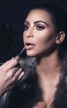 Kim Kardashian | On set with Mario Dedivanovic Mario who is the creator behind Kim's facial contouring