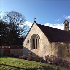 A small chapel in Glastonbury.  グラストンベリーにある小さなチャペル