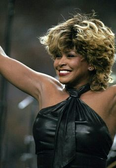 Tina Turner has rocked the music scene for over 50 years. A consummate performer, a style icon and an all-around class act, she is a Diva We Love! Tina Turner, Beautiful Black Women, Beautiful People, Et Wallpaper, Los Rolling Stones, Eartha Kitt, Barbra Streisand, Female Singers, Role Models