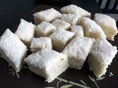 Prajitura Alba ca Zapada cu crema de cocos 2 Sweets From Heaven, Feta, Cookie Recipes, Food And Drink, Dairy, Restaurant, Cheese, Cookies, Baking