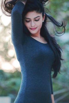 Vaibhavi Shandilya Wiki, Biography, Age, Family, Images, Movies Indian Actress Gallery, Tamil Actress Photos, South Indian Actress, Beautiful Girl Indian, Beautiful Indian Actress, Beautiful Actresses, Beautiful Ladies, Beauty Full Girl, Cute Beauty