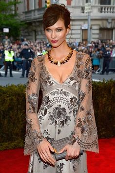Karlie Kloss' best beauty looks: May 2013
