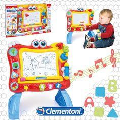 La Lavagna Canterina è  la prima lavagna magnetica per bambini dai 18 mesi. Un #gioco divertente per disegnare, imparare le lettere, i numeri, le forme, i colori, anche in inglese. #primainfanzia by #clementoni #clementonibaby #giochi #giocattoli #giochibambini #toys #baby #babytoys