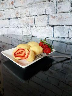 Tvarohové jahodové knedlíky Recipes, Food, Eten, Recipies, Ripped Recipes, Recipe, Meals, Cooking Recipes, Diet