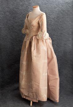 Centennial bustle ball gown, ca. 1876