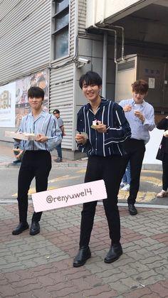 (297) Twitter Mingyu Wonwoo, Seungkwan, Woozi, Carat Seventeen, Seventeen Wonwoo, Seventeen Wallpapers, Pledis 17, Team Leader, Pledis Entertainment