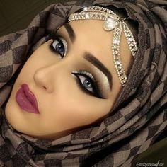 Beautiful eyes with Hijab Beautiful Hijab, Beautiful Eyes, Arabian Makeup, Beauty Makeup, Eye Makeup, Stylish Hijab, Stylish Dpz, Fashion Mask, Girl Hijab