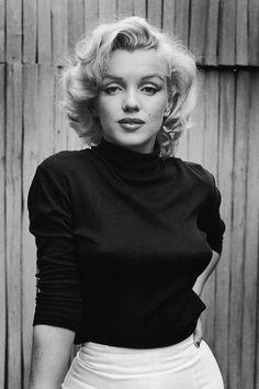 43 Most Glamorous Photos of Marilyn Monroe Les moments les plus glamour de Marilyn Monroe – Marilyn Monroe Photos Marilyn Monroe Bild, Style Marilyn Monroe, Marilyn Monroe Portrait, Marilyn Monroe Poster, Marilyn Monroe Wallpaper, Marylin Monroe Pictures, Marilyn Monroe Drawing, Norma Jean Marilyn Monroe, Hollywood Glamour
