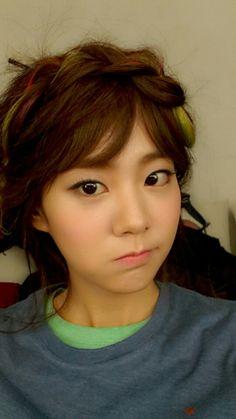 Seungyeon celebrates KARA's 6th anniversary