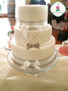 Evelyn Rose Apple Cake
