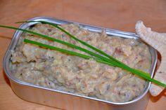 Aprenda a fazer esta receita deliciosa de Paté de sardinha de forma fácil e rápida. Tem uma receita diferente de Paté de sardinha? Adicione a sua receita ao site Ingredientes.