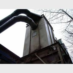 NR Murphy Dust Collector.  100 bags total.  10 rows of 10.  5 in. round, 12 in. long.     Pulse jet cleaning system. Approximately 8 ft. x 8 ft. Comes with:  Stand. Rotary air...