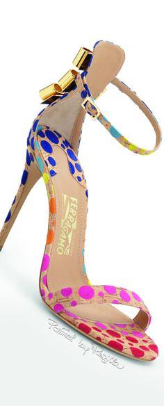Regilla ⚜ Una Fiorentina in California | the feets are wearing ferragamo ♥