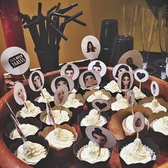 Birthday Goals, 23rd Birthday, Birthday Party Themes, 21st Party Decorations, Birthday Balloon Decorations, Kardashian Birthdays, Kim Kardashian, Bachelorette Party Themes, Themed Cupcakes