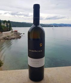 A gift of #nature. A #wine meant to be remembered. Since 1999. #LaRoncaia #Eclisse #WineLover #WineTime #Landscape #Sea #PicOfTheDay #Bottle #Elegance #Prestige #Class