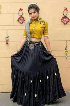 India's Fashion Discovery Platform driven by community Navy Blue Plain Designer Chaniya Choli Special For Navratri Indian Fashion Dresses, Indian Gowns Dresses, Dress Indian Style, Indian Designer Outfits, Indian Wear, Garba Dress, Navratri Dress, Lehnga Dress, Chaniya Choli For Navratri