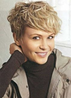 short hairstyles for older women with wavy hair