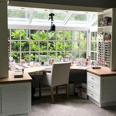 Related posts: 30 Awesome Craft Rooms Design Ideas DIY Craft Room Ideas & Projects Craft Room Organization Ideas For You 50 craft rooms Craft Room Storage, Room Organization, Craft Room Organizing, Organizing Ideas, Deco Studio, Craft Room Design, Craft Space, Sewing Room Design, Art Studio Design
