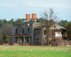 Incredible abandoned Schwaniger Rd House   located in Easton,MD off of Schwaniger Rd.
