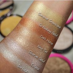 """""""Mi piace"""": 36.5 mila, commenti: 196 - Jeffree Star Cosmetics (@jeffreestarcosmetics) su Instagram: """"Love these comparison swatches of our top selling #SkinFrost shades 🔥 #jeffreestarcosmetics photo…"""""""