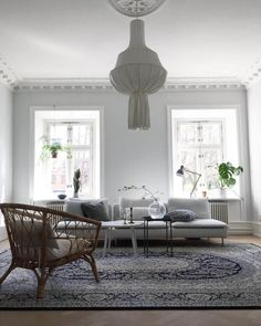 What do you do when your home doesn't have a great deal of natural light? Here are 5 top tips for bringing in more natural light. Home Decor Bedroom, Diy Home Decor, Interior Walls, Interior Design, Interior Photo, White Curtains, Take A Seat, Home Hacks, Home Look
