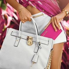 2015 New Cheap Michael Kors Amangasett Straw Large Grey Totes Women Bags Outlet Online. Cheap Michael Kors Purses, Michael Kors Handbags Outlet, Michael Kors Bag, Mk Handbags, Couture Handbags, Michael Kors Hamilton, Purses For Sale, Womens Fashion For Work, Boho