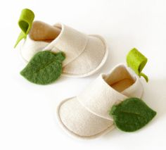 Newborn baby shoes Eva Natural ecru white & green by LaLaShoes, $40.00
